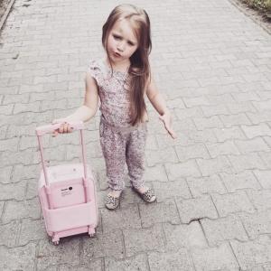 Wróciliśmy. Było cudnie, intensywnie i smacznie. Kocham Roztocze za ten spokój. Siniak na czole, to wynik naszego kajakowania a teraz pytanie: kto mi rozpakuje walizki? #kids#babygirl #fashion#blogger #model #instapic #fashionblogger #instakids #mylove #kidsbabylove #kidzfashion #fashionkids #dziecko #baby #instamatki #instagram_kids #lilylife