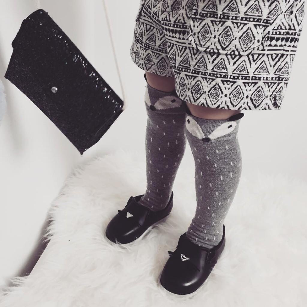 Lily zakochała się w nowych butach. Kupiłam dwie pary. Jedne na teraz, a drugie na wiosnę. ❤️ Podobno w przedszkolu był szał i chciała żeby wszyscy wąchali bo są pachnące Za każdym razem cieszą tak samo! #kids #shoes #minimelissa #melissa #minidressing #zara #zarakids #fashion #blogger #model #cat #ikea #warsaw #fashionkids #Kidzmoda #mylove #fashionblogger #style #outfit #lookbook #lilylife