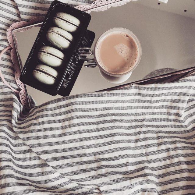 Dzie dobry weekend  dziendobry kawa macarons coffee coffetime coffeelifehellip